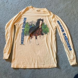 VINTAGE Busch Gardens pale yellow crew neck